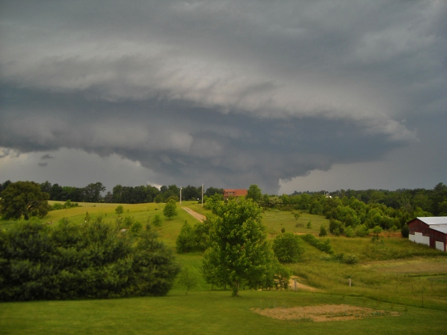 shelf cloud, thunderstorm, tornado storm, wall cloud forming